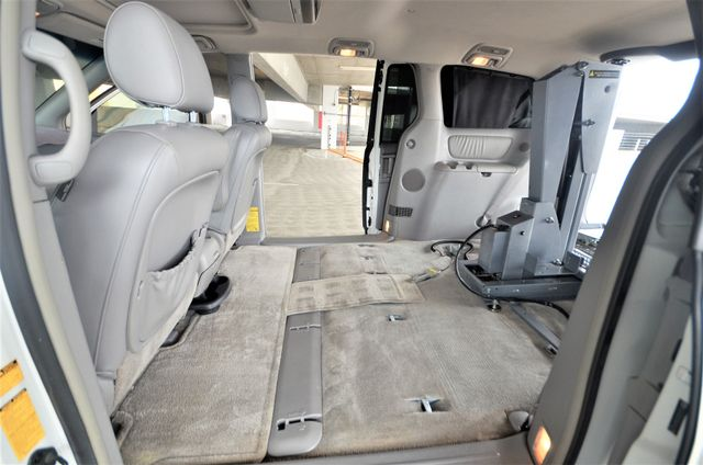 2006 Toyota Sienna XLE Limited HANDICAP MOBILITY VAN Reseda, CA 35