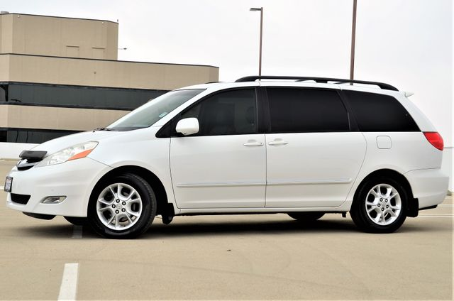2006 Toyota Sienna XLE Limited HANDICAP MOBILITY VAN Reseda, CA 17