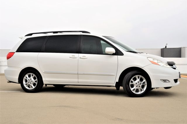 2006 Toyota Sienna XLE Limited HANDICAP MOBILITY VAN Reseda, CA 21