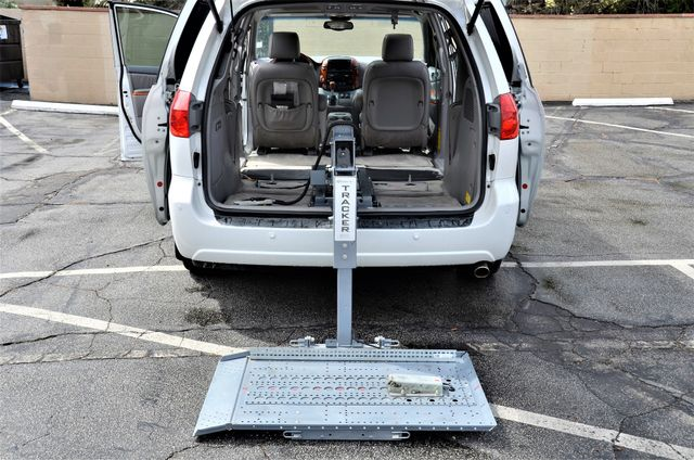2006 Toyota Sienna XLE Limited HANDICAP MOBILITY VAN Reseda, CA 46