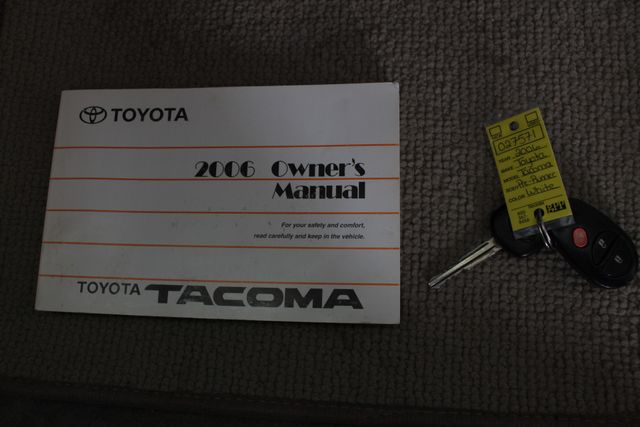 2006 Toyota Tacoma PreRunner SR5 Double Cab - TONNEAU - MICHELINS! Mooresville , NC 17
