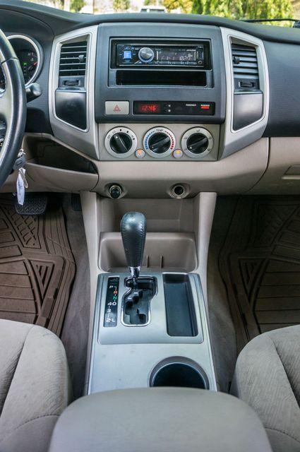 2006 Toyota Tacoma PreRunner - LIFTED - 143K MILES Reseda, CA 21