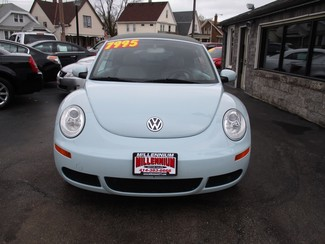 2006 Volkswagen New Beetle Milwaukee, Wisconsin 1