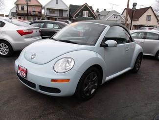 2006 Volkswagen New Beetle Milwaukee, Wisconsin 2