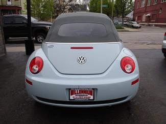 2006 Volkswagen New Beetle Milwaukee, Wisconsin 4
