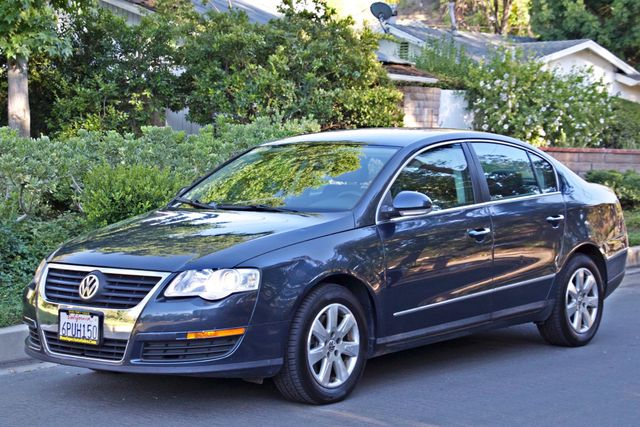 2006 Volkswagen PASSAT 2.0T AUTOMATIC LEATHER ONLY 74K MLS ALLOY WHEELS Woodland Hills, CA 28
