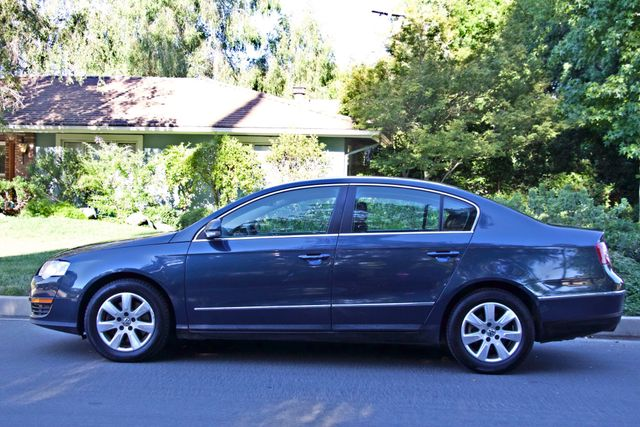 2006 Volkswagen PASSAT 2.0T AUTOMATIC LEATHER ONLY 74K MLS ALLOY WHEELS Woodland Hills, CA 3
