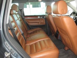2006 Volkswagen Touareg 4.2L V8 Gardena, California 12