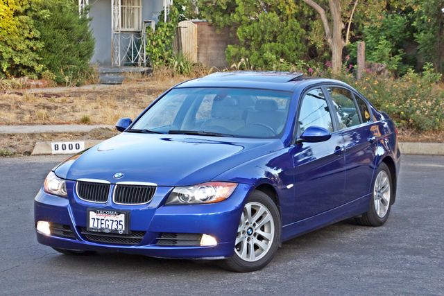 2007 BMW 328i SPORTS / PREMIUM PKG NAVIGATION XENON HEATED SEATS SERVICE RECORDS 3 SETS OF KEYS Woodland Hills, CA 1