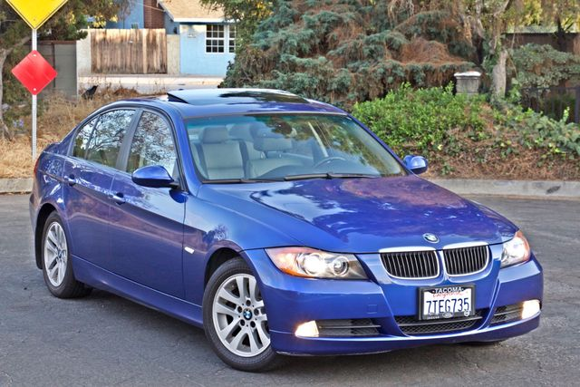 2007 BMW 328i SPORTS / PREMIUM PKG NAVIGATION XENON HEATED SEATS SERVICE RECORDS 3 SETS OF KEYS Woodland Hills, CA 8