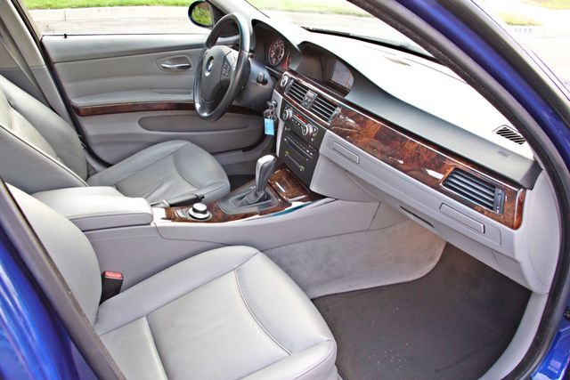 2007 BMW 328i SPORTS / PREMIUM PKG NAVIGATION XENON HEATED SEATS SERVICE RECORDS 3 SETS OF KEYS Woodland Hills, CA 24