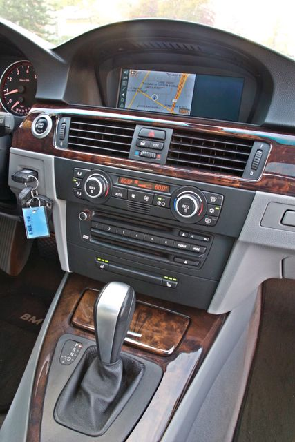 2007 BMW 328i SPORTS / PREMIUM PKG NAVIGATION XENON HEATED SEATS SERVICE RECORDS 3 SETS OF KEYS Woodland Hills, CA 23