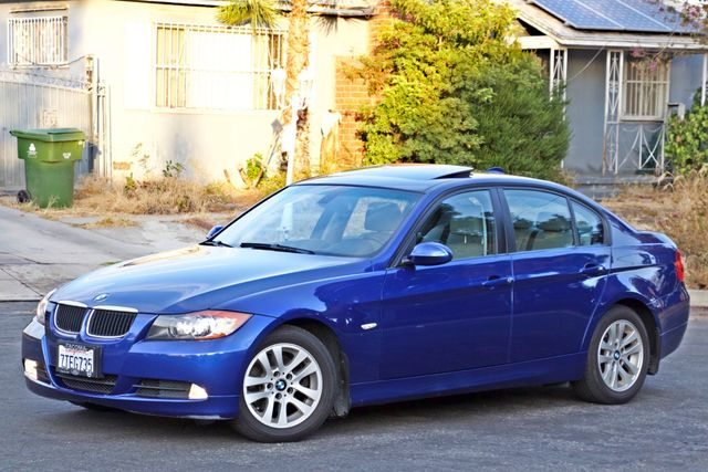 2007 BMW 328i SPORTS / PREMIUM PKG NAVIGATION XENON HEATED SEATS SERVICE RECORDS 3 SETS OF KEYS Woodland Hills, CA 2