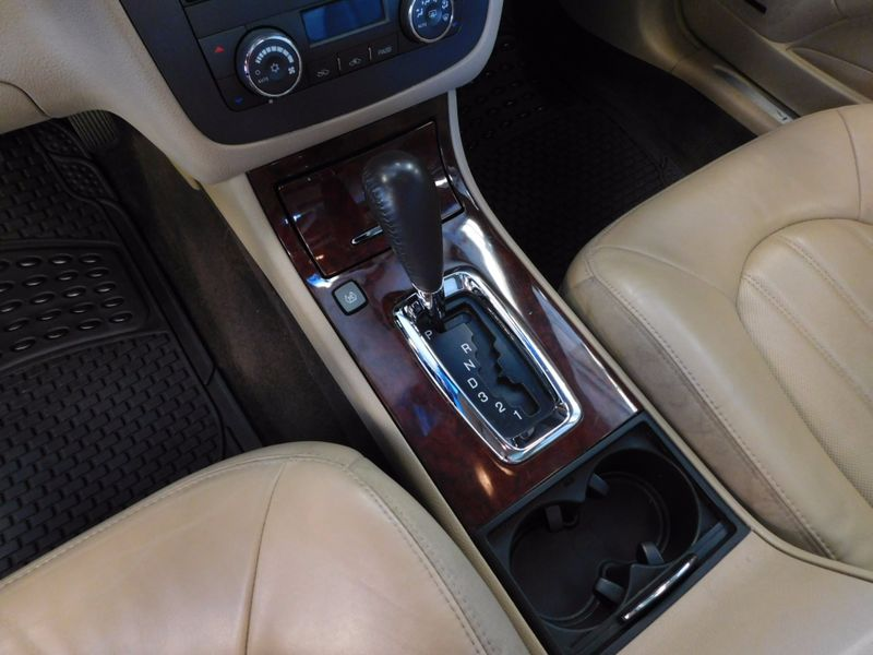 2007 Buick Lucerne V6 CXL  city TN  Doug Justus Auto Center Inc  in Airport Motor Mile ( Metro Knoxville ), TN