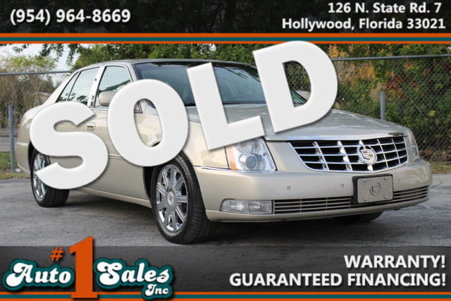 2007 Cadillac DTS Luxury II  WARRANTY CARFAX CERTIFIED AUTOCHECK CERTIFIED 2 OWNERS 13 SERV