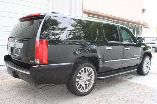 2007 Cadillac Escalade ESV AWD Houston, Texas 3