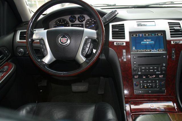2007 Cadillac Escalade ESV AWD Houston, Texas 9