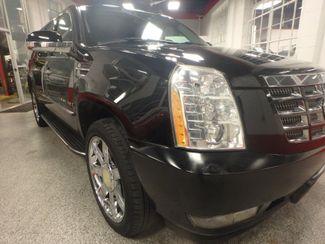 2007 Cadillac Escalade ESV, THE REAL DEAL. LOADED & CLEAN Saint Louis Park, MN 28