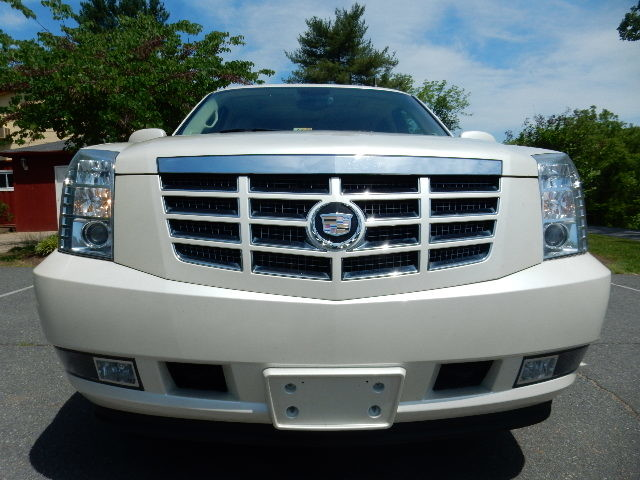2007 Cadillac Escalade AWD 3RD ROW SEAT Leesburg, Virginia 8