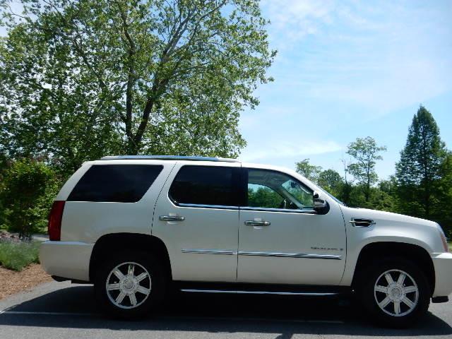2007 Cadillac Escalade AWD 3RD ROW SEAT Leesburg, Virginia 5
