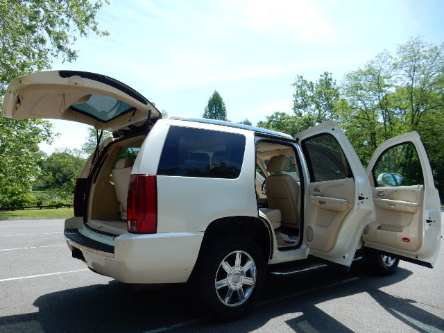 2007 Cadillac Escalade AWD 3RD ROW SEAT Leesburg, Virginia 11