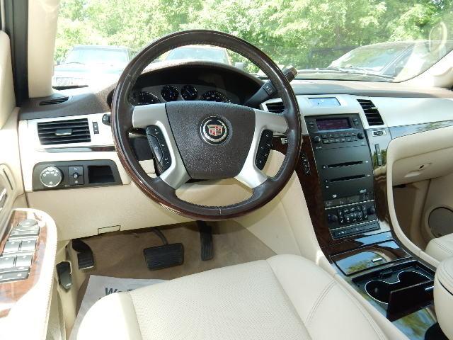 2007 Cadillac Escalade AWD 3RD ROW SEAT Leesburg, Virginia 19