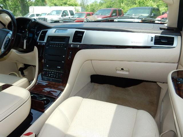 2007 Cadillac Escalade AWD 3RD ROW SEAT Leesburg, Virginia 15