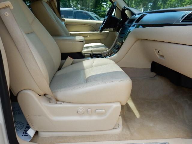 2007 Cadillac Escalade AWD 3RD ROW SEAT Leesburg, Virginia 16
