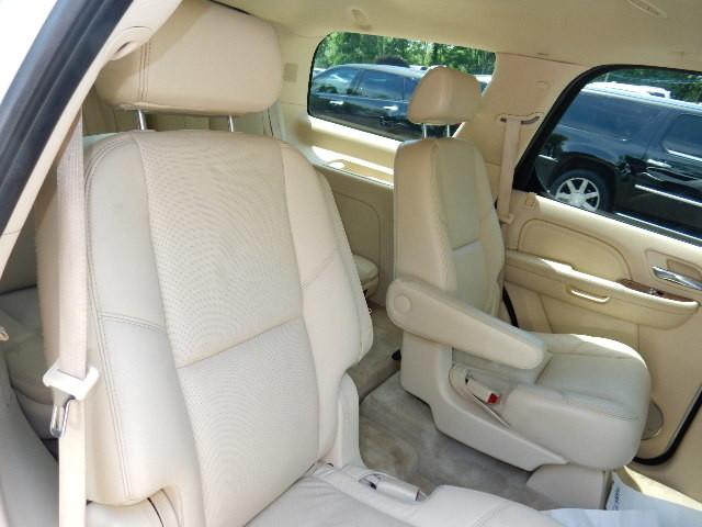 2007 Cadillac Escalade AWD 3RD ROW SEAT Leesburg, Virginia 39