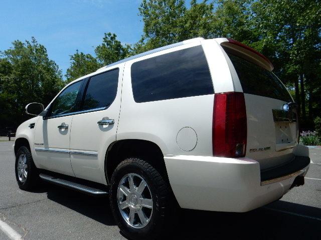 2007 Cadillac Escalade AWD 3RD ROW SEAT Leesburg, Virginia 3