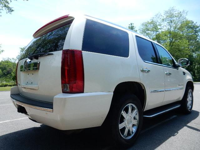 2007 Cadillac Escalade AWD 3RD ROW SEAT Leesburg, Virginia 2