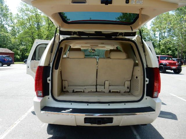 2007 Cadillac Escalade AWD 3RD ROW SEAT Leesburg, Virginia 13