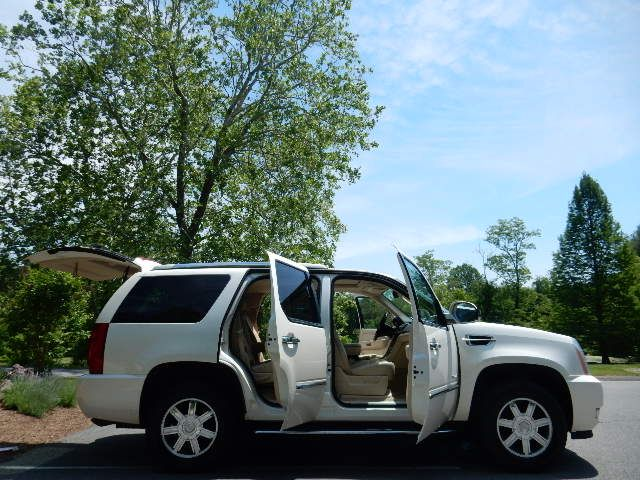 2007 Cadillac Escalade AWD 3RD ROW SEAT Leesburg, Virginia 9