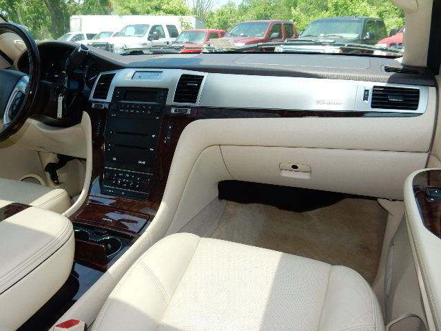 2007 Cadillac Escalade AWD 3RD ROW SEAT Leesburg, Virginia 15