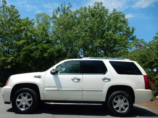2007 Cadillac Escalade AWD 3RD ROW SEAT Leesburg, Virginia 4