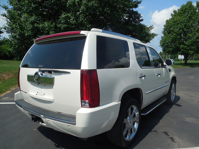 2007 Cadillac Escalade LUXURY Leesburg, Virginia 3