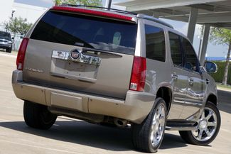 "2007 Cadillac Escalade AWD * 22"" Chromes * SUNROOF * Quads * CAMERA *Bose Plano, Texas 4"