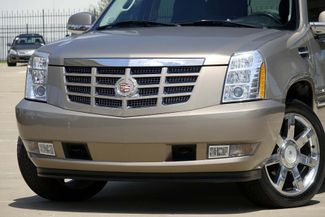 "2007 Cadillac Escalade AWD * 22"" Chromes * SUNROOF * Quads * CAMERA *Bose Plano, Texas 23"