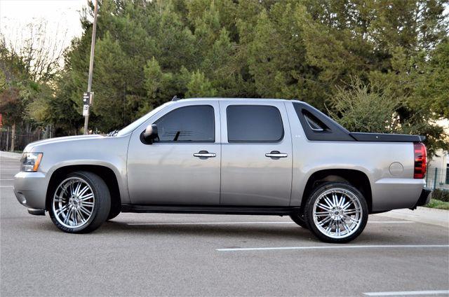 2007 Chevrolet Avalanche LS Reseda, CA 12