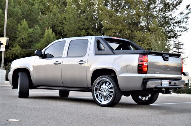 2007 Chevrolet Avalanche LS Reseda, CA 13