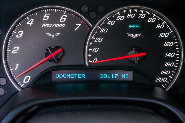2007 Chevrolet Corvette  Z51 - AUTO - NAVI - 38K MILES - ROOF PKG Reseda, CA 16