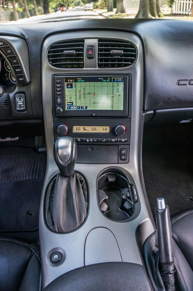 2007 Chevrolet Corvette  Z51 - AUTO - NAVI - 38K MILES - ROOF PKG Reseda, CA 24