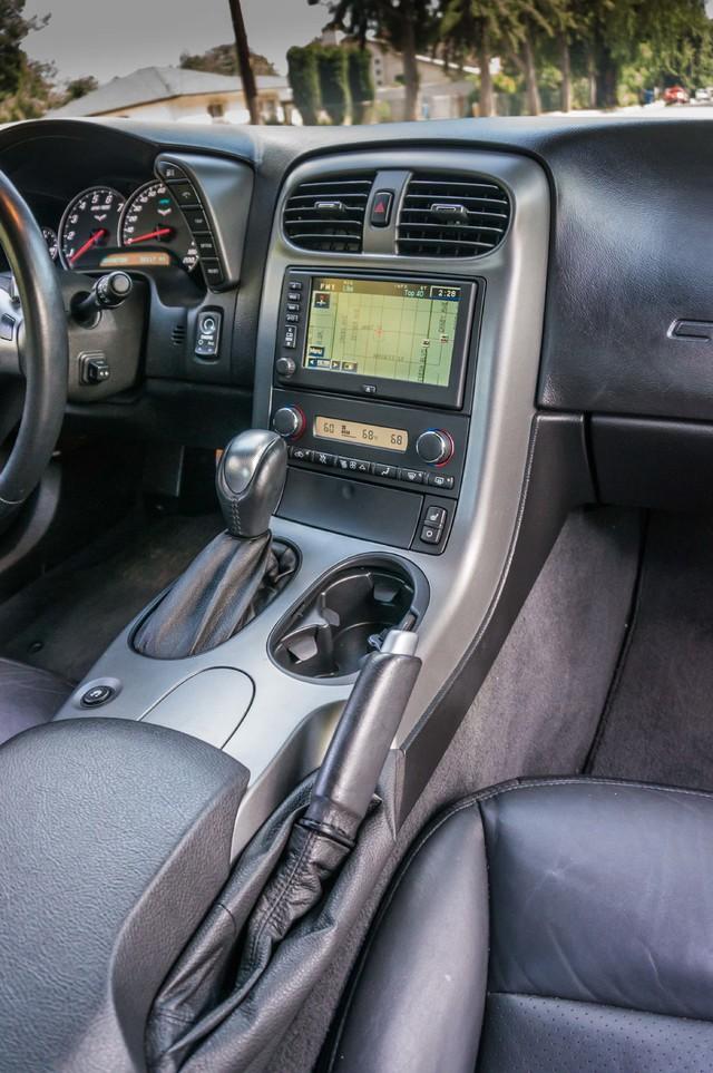 2007 Chevrolet Corvette  Z51 - AUTO - NAVI - 38K MILES - ROOF PKG Reseda, CA 23