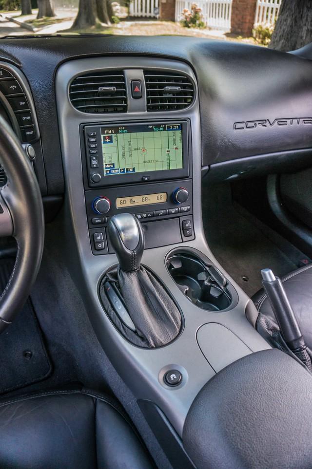 2007 Chevrolet Corvette  Z51 - AUTO - NAVI - 38K MILES - ROOF PKG Reseda, CA 25