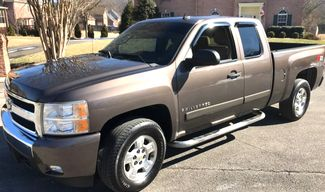 2007 Chevrolet-Carmartsouth.Com Silverado 1500-BUY HERE PAY HERE! LT-SHOWROOM CONDITION! Knoxville, Tennessee 2