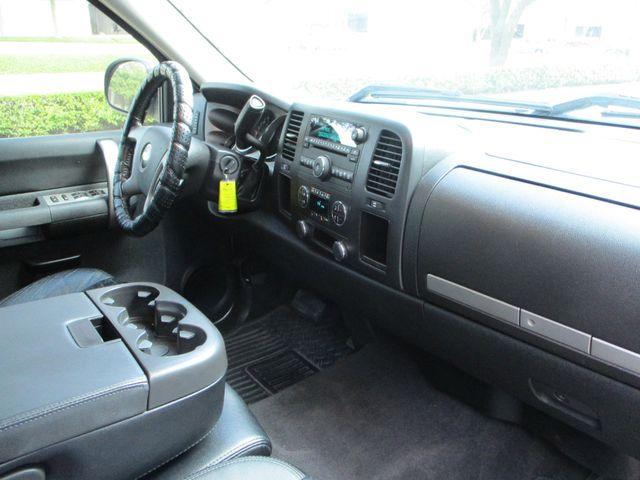 2007 Chevrolet Silverado 1500 LT w/1LT with leather & nice. Plano, Texas 18