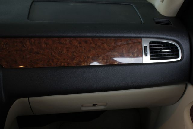 2007 Chevrolet Suburban LTZ 4X4 - NAV - REAR DVD - SUNROOF! Mooresville , NC 8