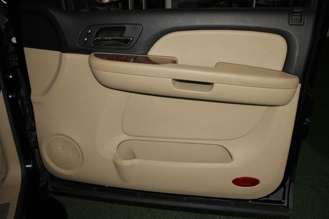 2007 Chevrolet Suburban LTZ 4X4 - NAV - REAR DVD - SUNROOF! Mooresville , NC 43