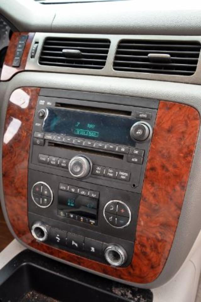 2007 Chevrolet Suburban LT San Antonio , Texas 11