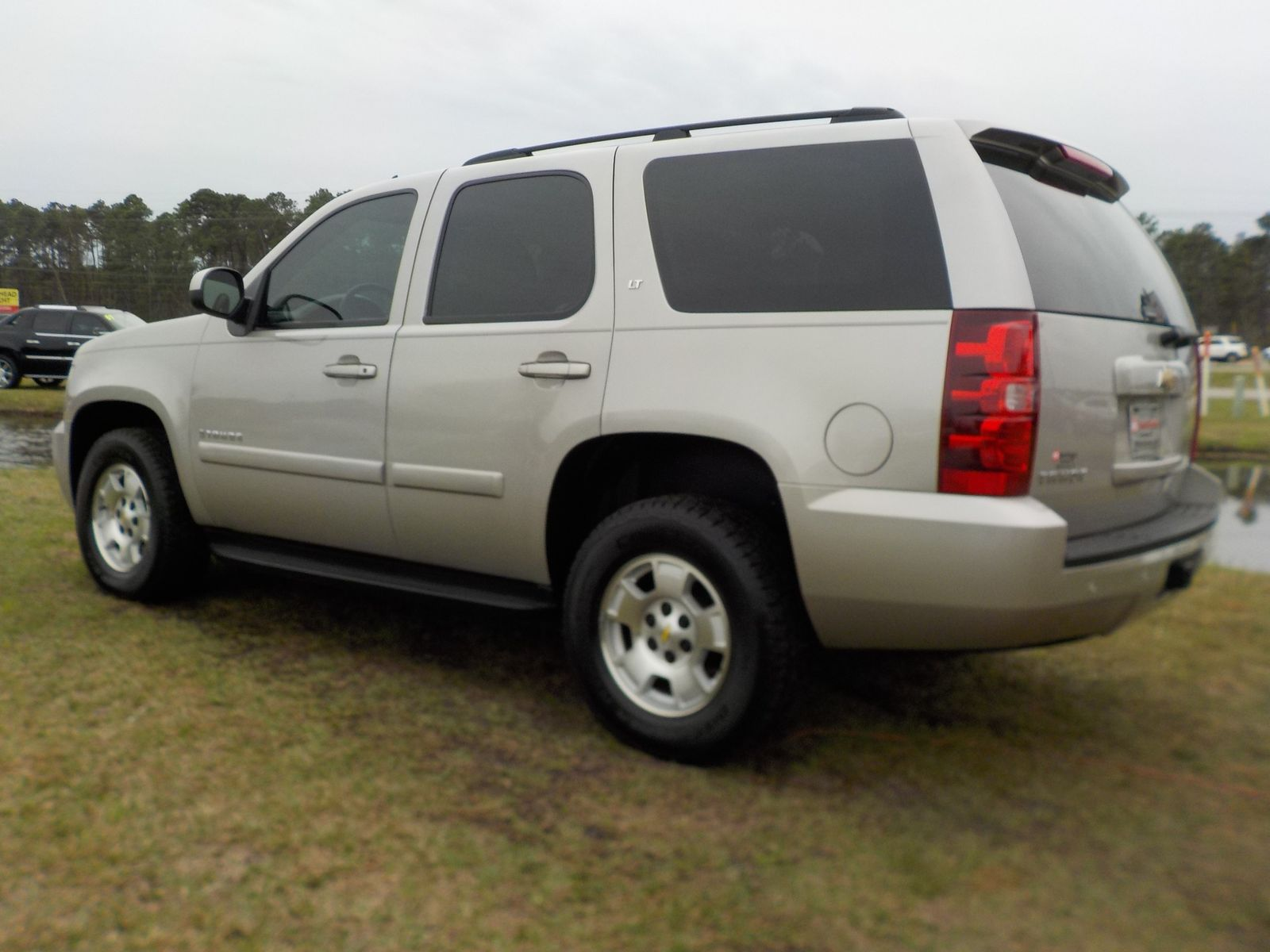 reviews tahoe carmax features specs research chevrolet